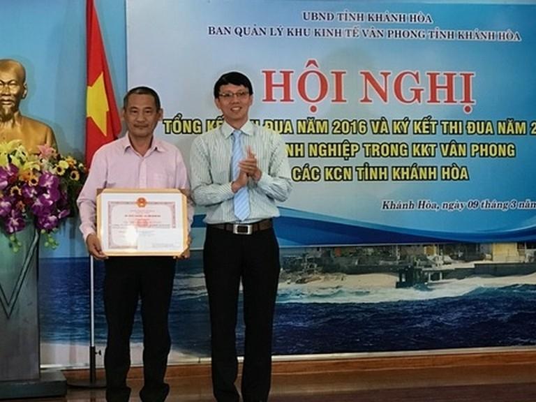 Hội nghị tổng kết công tác thi đua năm 2016 và phát động phong trào thi đua năm 2017 khối doanh nghiệp trong KKT vân phong và các KCN tỉnh Khánh Hòa